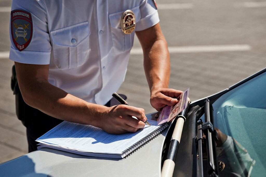 У инспекторов может появиться право аннулировать техосмотр прямо на дороге